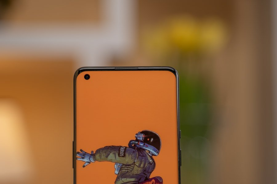 OnePlus-9-Pro-Front-Camera
