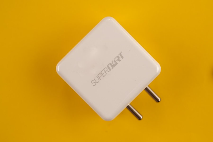 Realme-8-Charger